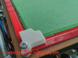 3D打印模型加热的床玻璃角夹的图片