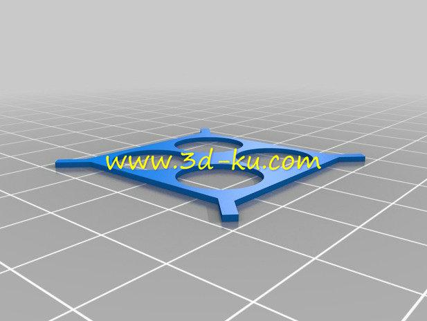 迷你版的无人机-3D打印模型的预览图3